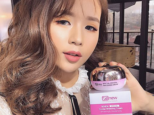 Hotgirl Duong Thuy Nguyen Review Sản phẩm Kem Dưỡng Trắng da Cao cấp BENEW Special Crystal Whitening Cream